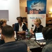 8 mars - Plaza de Espana - Interview Radio Aviva 03