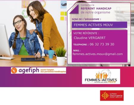 Deux femmes heureuses regardent un ordinateur et les coordonnées de la Référente handicap Femmes Actives Mouv